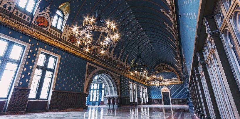 Coadă la Palatul Culturii