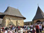Mii de enoriaşi la Hramul Mănăstirii Hadâmbu
