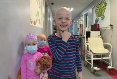 Zâmbete pentru copiii de la Oncologie