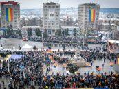Mii de oameni în Piaţa Unirii de 1 Decembrie