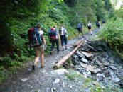 Invazie de turiști pe traseele montane